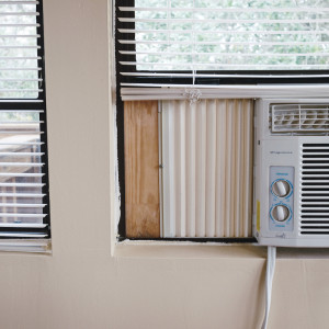 Keeping your doors and windows sealed ensured that no warm air intrudes your home.
