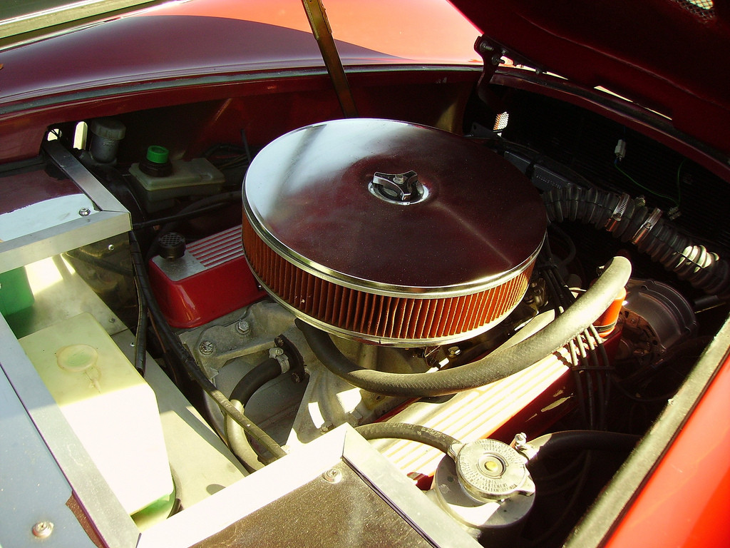 V8 engine air filter of an american car